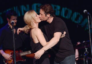 Illustration for article titled Mulder and Scully Totally Made Out Onstage in New York Last Night
