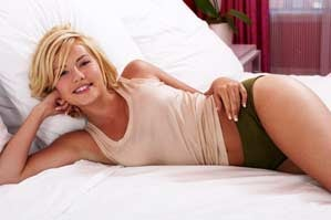 Illustration for article titled Elisha Cuthbert Needs to Get Back Together With Sean Avery — For Everyone's Sake