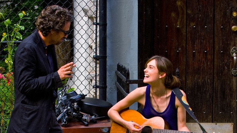 """Illustration for article titled Begin Again is little more than a """"let's put on a show"""" musical"""
