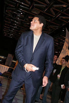 """Illustration for article titled Nintendo's Reggie Would Love To See """"Bottoms-Up"""" Wii GTA"""