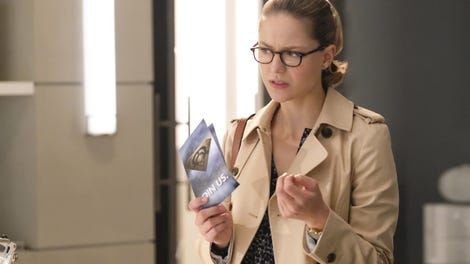 Supergirl says goodbye to a beloved couple