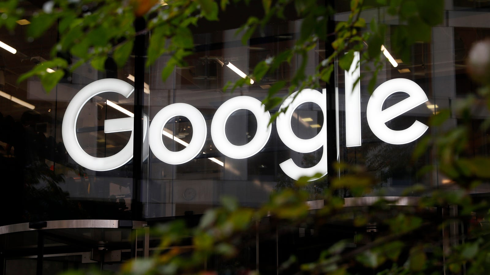 Google Contractors Vote to Unionize Given Company's Track Record of Crappy Treatment
