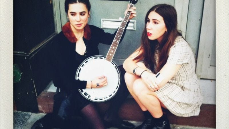Illustration for article titled Increasingly unfeeling Internet refuses to buy Girls' Zosia Mamet her musical dreams