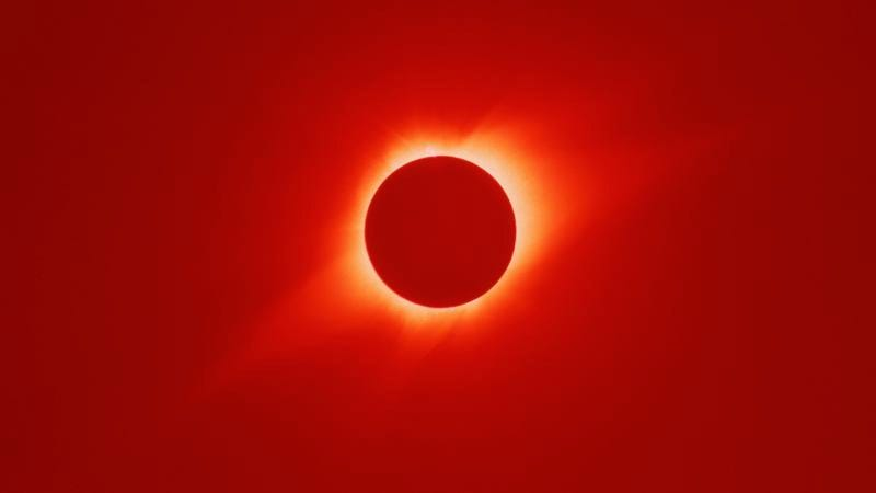 The sun's corona, as seen through a polarizing filter, during a total eclipse (Photo: Roger Ressmeyer/Corbis/VCG/Getty Images)