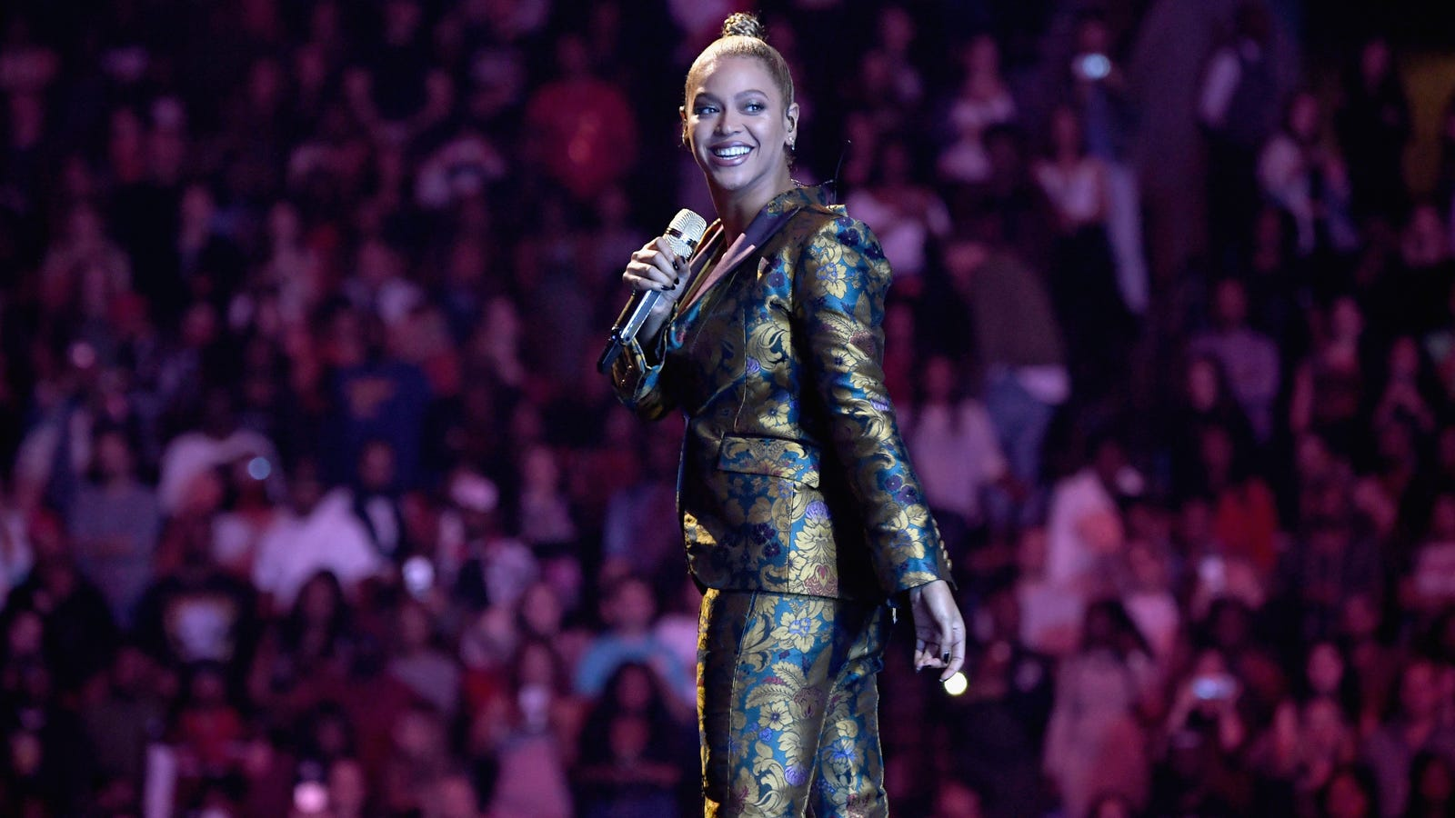 QnA VBage Beyonce.com Lawsuit Reminds Us How Shitty the Web Is for Users With Visual Impairment