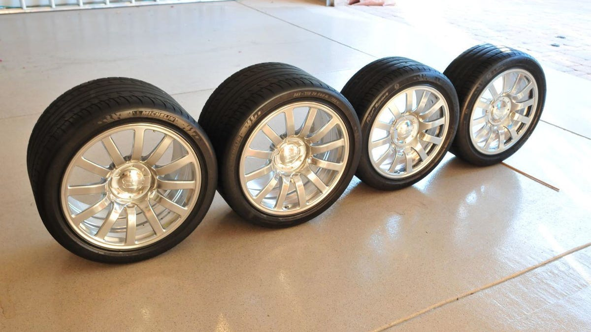 Bugatti veyron tires cost