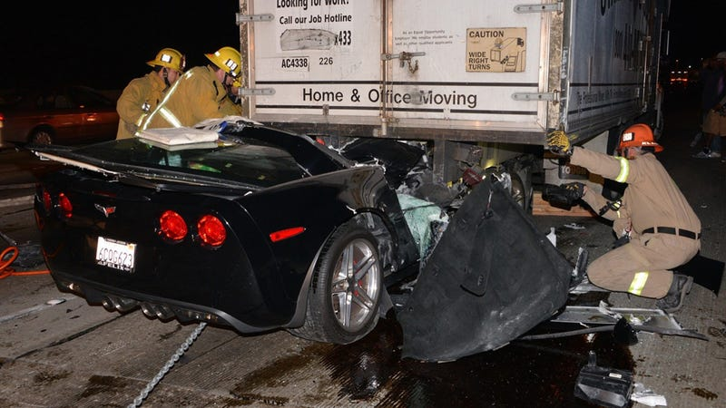 Illustration for article titled This Corvette Crash Should Have Severed This Driver's Head