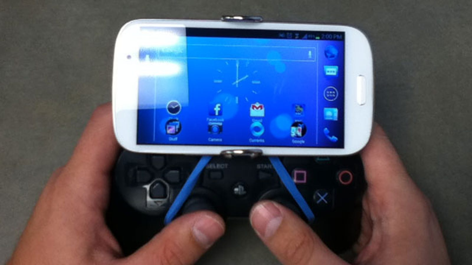 How to Mount Your Phone to a Game Controller with a Binder Clip
