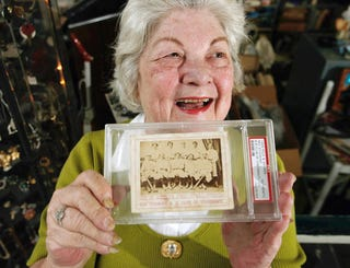 Illustration for article titled This Woman's Baseball Card Collection Is Better Than Yours