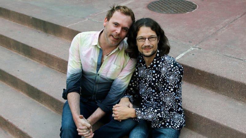 Dave Mullins, right, and his husband, Charlie Craig. Image via AP.