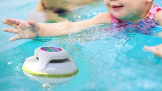 Altavoz flotante Cowin con Bluetooth | $30 | Amazon | Usa el código Z2DNVFUC