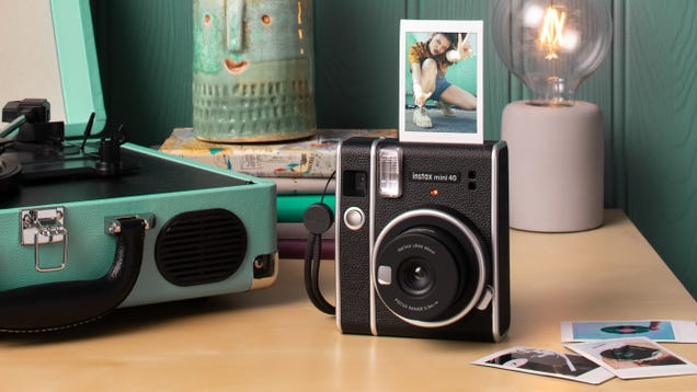 Fujifilm s New Retro Instant Camera and Film Take Us Back to Simpler Times