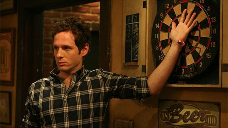 Illustration for article titled Fan theory lays out the evidence for why Dennis Reynolds might be a serial killer