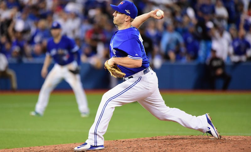 Illustration for article titled The Blue Jays' Pitching Was So Bad They Had A Position Player Take The Mound