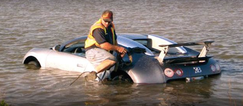 Illustration for article titled The Guy Who Crashed A Bugatti Into A Lake Has Been Sentenced To A Year In Federal Prison
