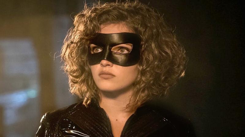 Camren Bicondova comme Catwoman.