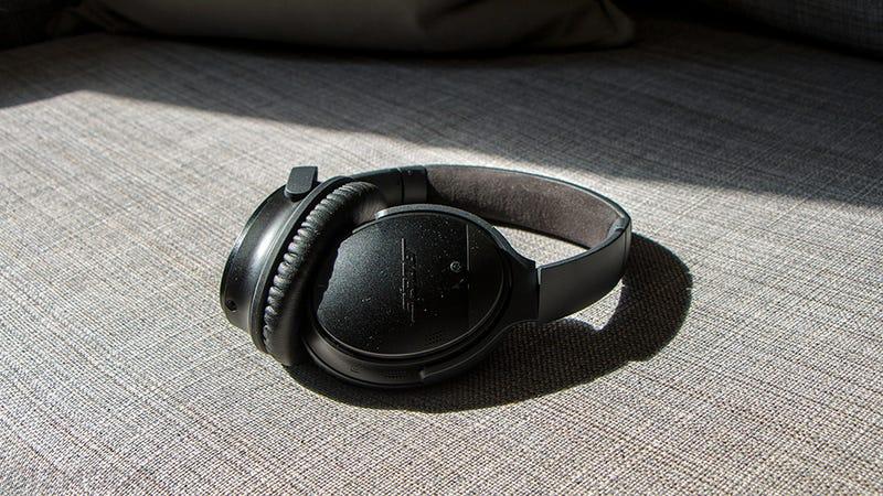 Bose QC35 con cancelación de ruido | $300 | AmazonFoto: Gizmodo
