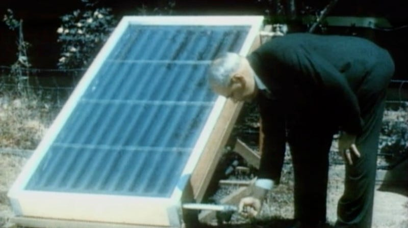 Illustration for article titled The Solar-Powered Fridge of 1937 Made Sunbeams Into Ice Cubes In 2 Hours
