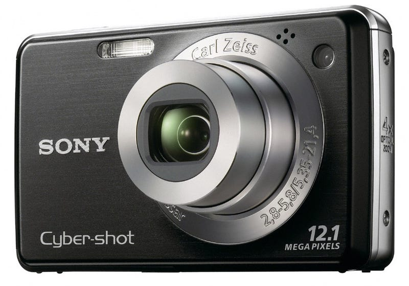 Illustration for article titled Underprivileged Sony Cybershot DSC-W220 Gets Middle Class Features
