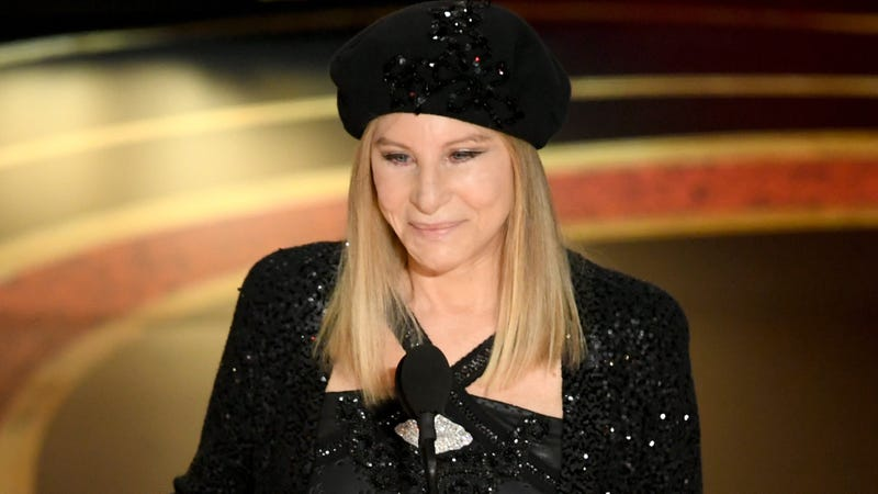 Illustration for article titled Barbra Streisand Continues to Bait Trump With 'Send in the Clowns' Parody