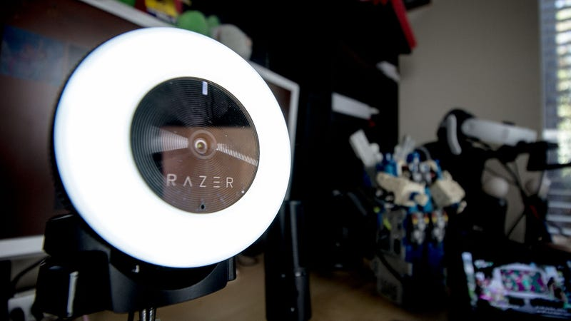 Illustration for article titled Razer's Brilliant New Webcam Has a Built-In Ring Light