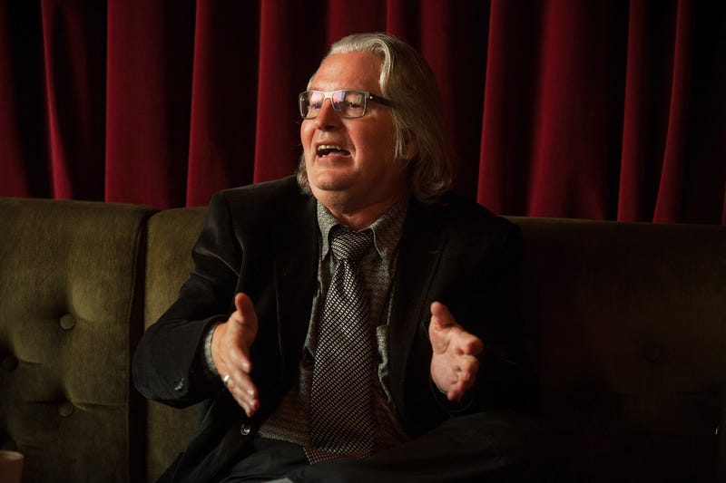 Illustration for article titled Author Bruce Sterling Testified to Congress in 1993 as a Time Traveler From 2015