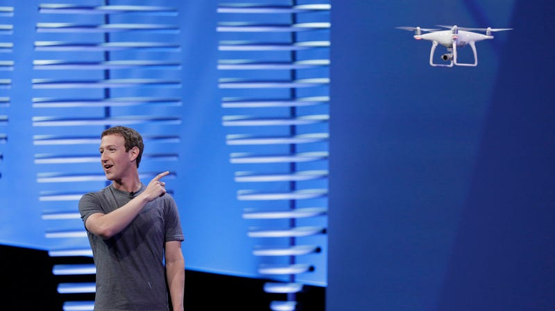 Facebook CEO Mark Zuckerberg with a drone (of a much smaller type than planned for the Aquila project) at the F8 Facebook Developer Conference in San Francisco in 2016.