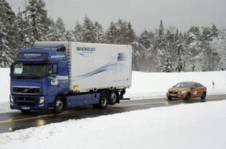 Illustration for article titled Volvo Successfully Tests Autonomous Road Trains