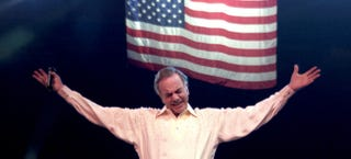 Illustration for article titled Neil Diamond's Anthemic Ode to America is as Patriotic as it Gets