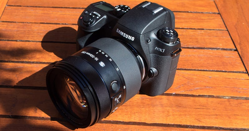 Illustration for article titled Samsung NX1: A 4K Video Chomping, 28-Megapixel Camera In a Compact Body