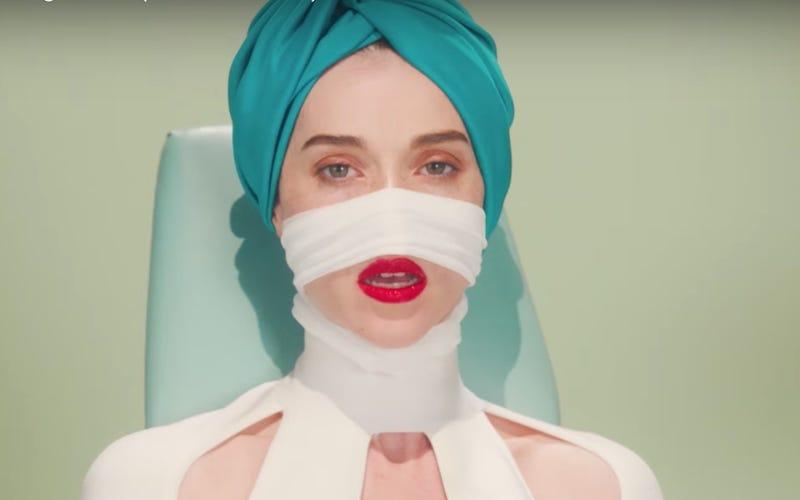 "(Screenshot: ""Los Ageless"" video)"