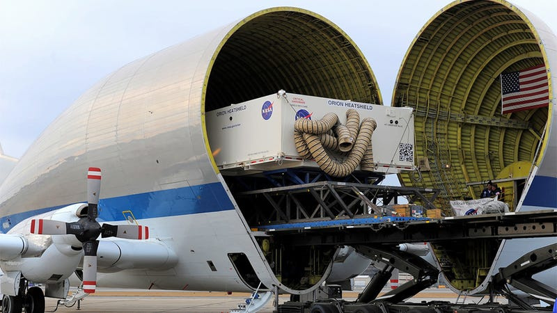 Illustration for article titled This is how NASA delivers its huge packages