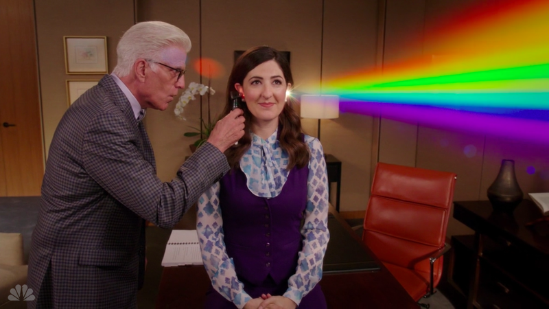Ted Danson (left), D'Arcy Carden (Screenshot: The Good Place)