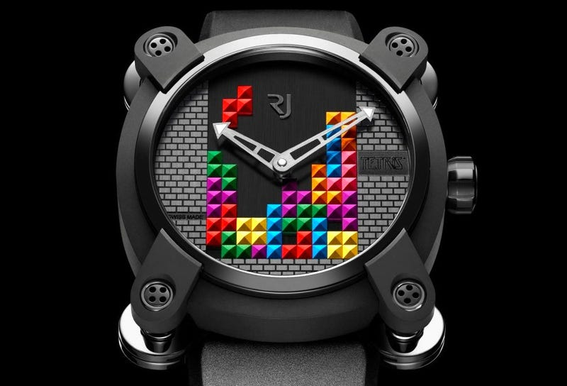 Illustration for article titled Stand Out in the Corporate World With This Geeky Tetris Watch