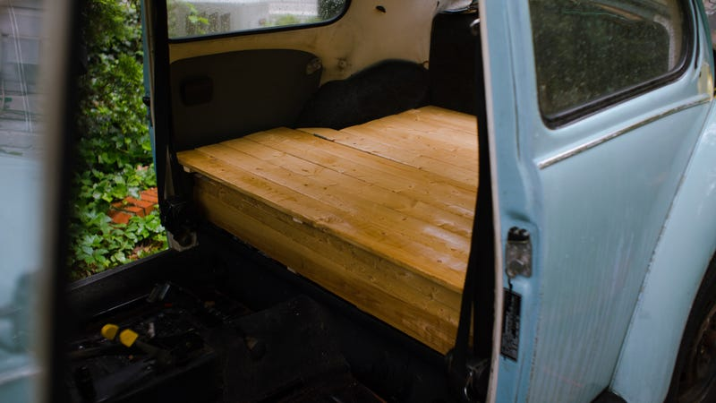 Illustration for article titled Putting A Wood Deck Into The Back Of My Car Was Way Easier Than I Thought