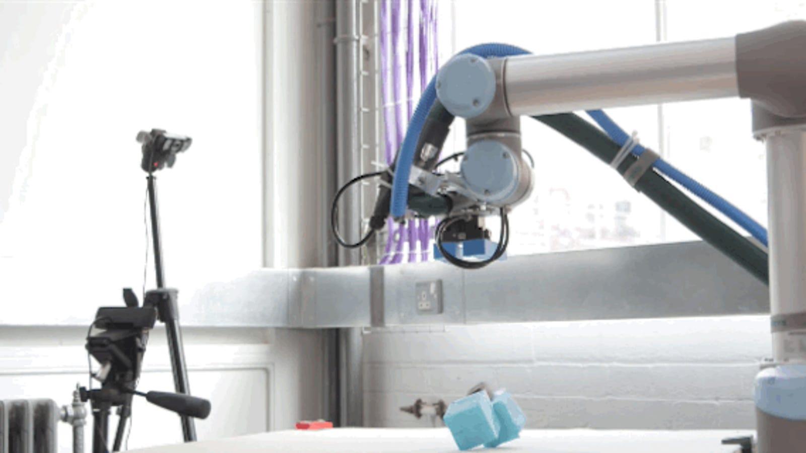 Crean un robot capaz de fabricar, probar y mejorar otros robots por sí solo