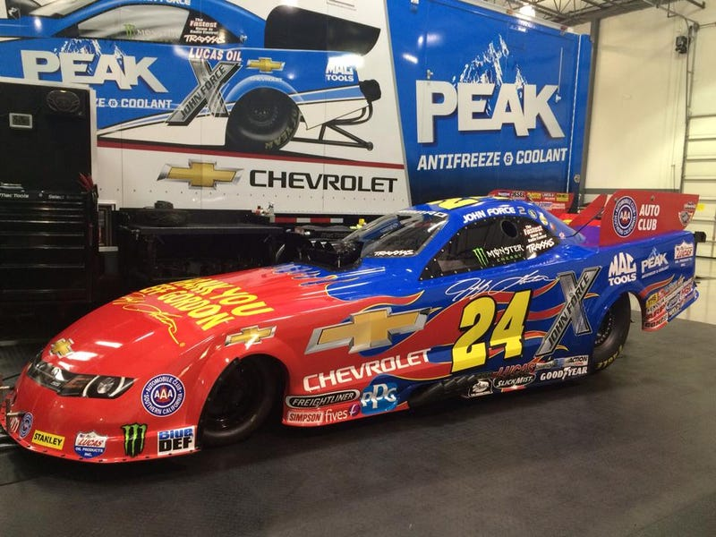 Illustration for article titled NASCAR Invades The Drag Strip With This Jeff Gordon Tribute Scheme
