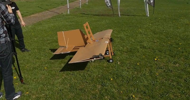 Una Convertir De En Silla Con Y Avión Radiocontrol Un Cartones nP8wXON0k