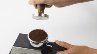 Illustration for article titled Use the Right Tamping Pressure for Perfect Espresso Shots