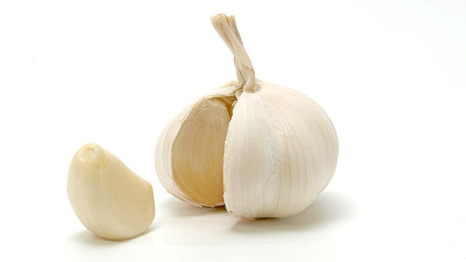 Image result for does garlic reduce pores