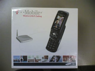 Illustration for article titled T-Mobile At Home VoIP Router/Cellphone Box Pictures