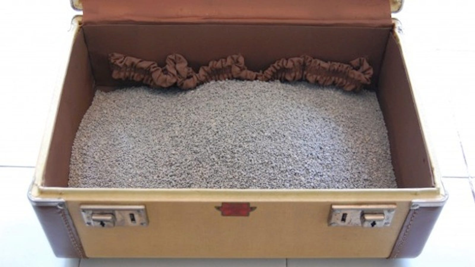 clear out the musty smell in old clothes or thrift store purchases with cat litter. Black Bedroom Furniture Sets. Home Design Ideas