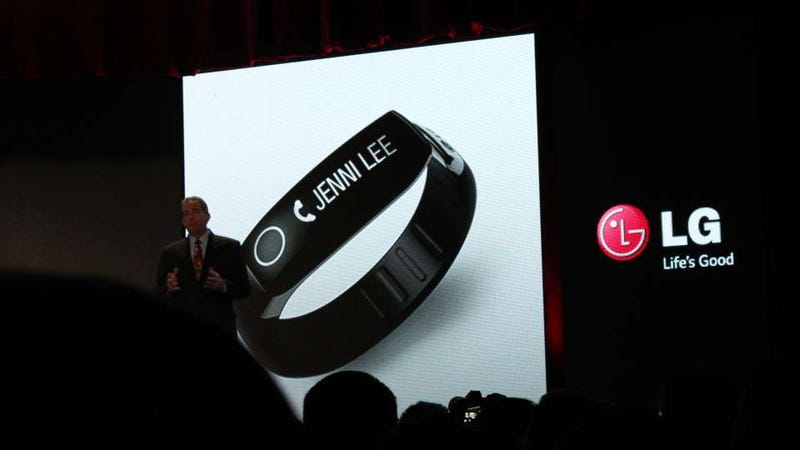 Illustration for article titled LG's Fitness Tracker: Looks Like a Fitbit, Works Like a Smartwatch