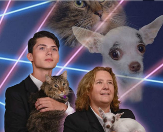 Illustration for article titled American Hero's Yearbook Cat Now Joined By Yearbook Chihuahua