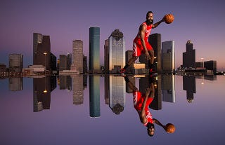 Illustration for article titled A Photographer Made This Beautiful Mirrored Skyline with Plexiglas