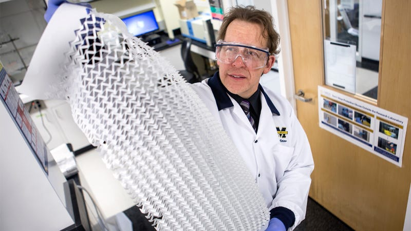 Illustration for article titled Japanese Paper Art Could Lead to Bending and Folding Electronics