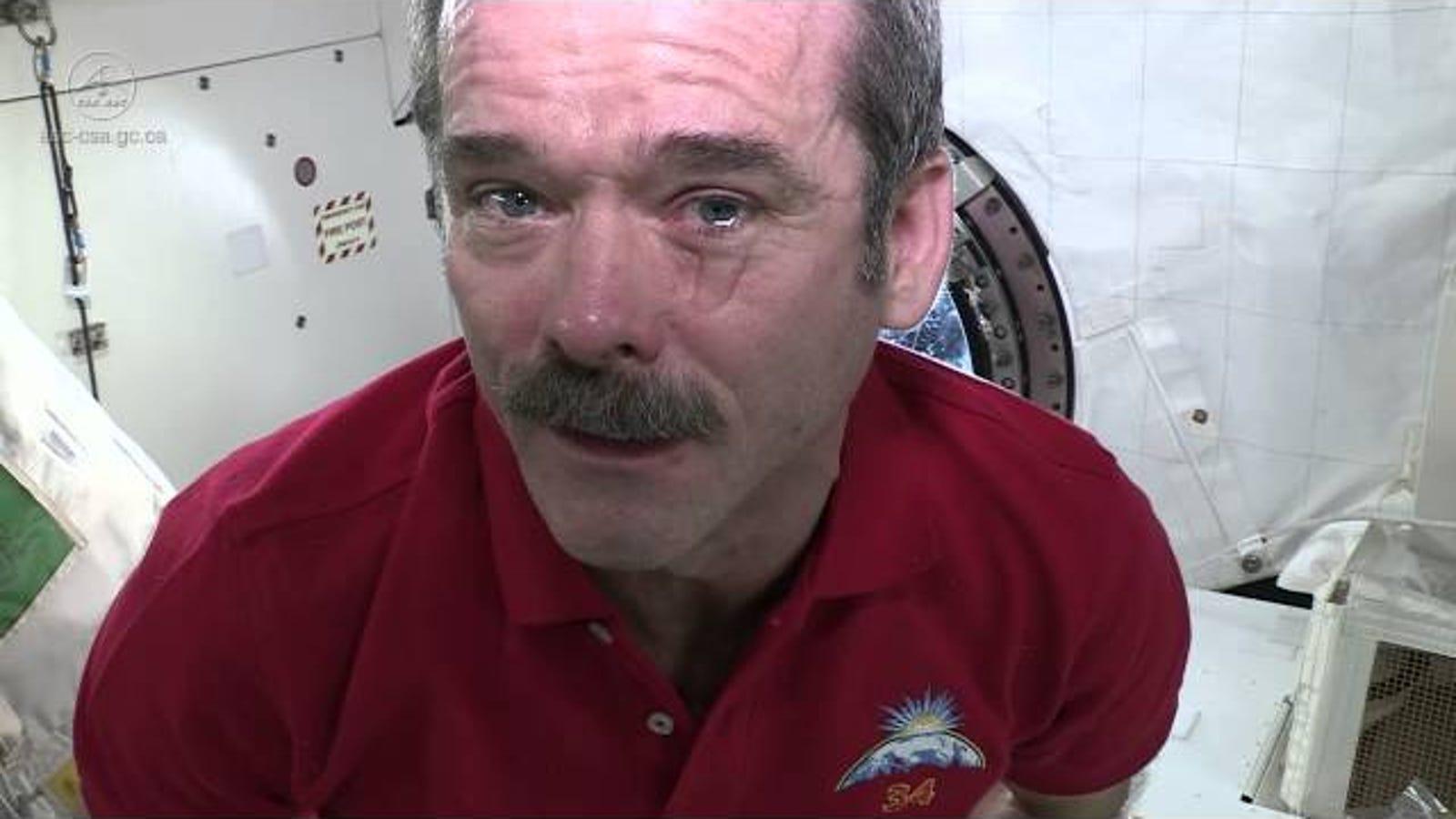 Un astronauta nos enseña cómo son las lagrimas en el espacio