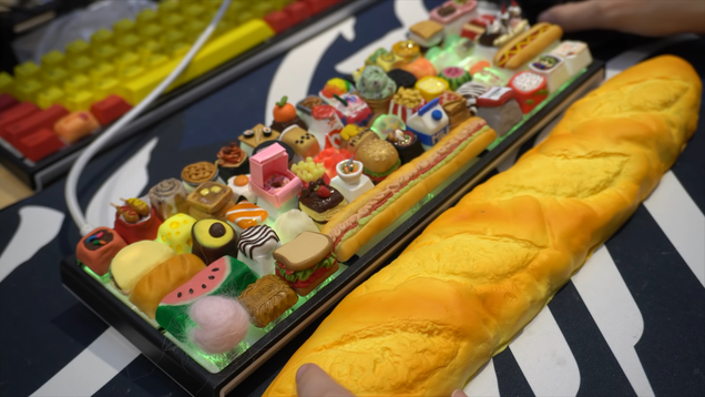 Just Looking at This Food-Themed Mechanical Keyboard Makes Me Hungry