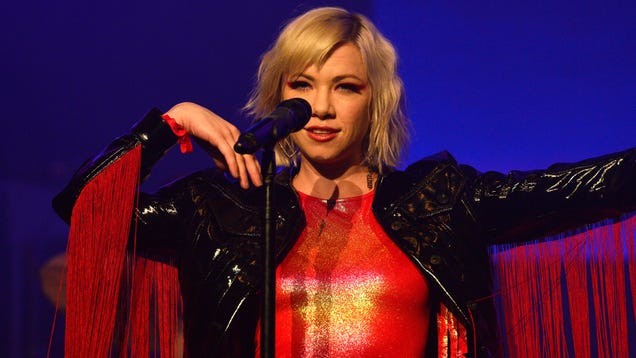 "Carly Rae Jepsen releases carbon-copy cover of No Doubt's ""Don't Speak"""