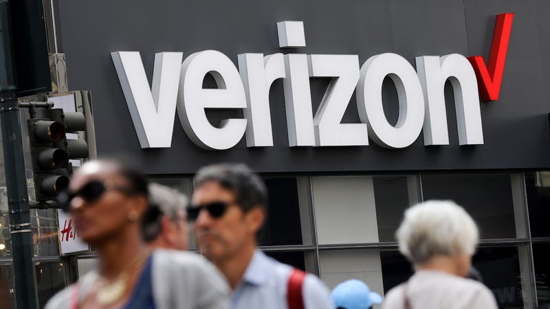 Verizon Says Exec's Joke About Installing a 'Verizon Puppet' at FCC to Kill Net Neutrality Was 'Funny'